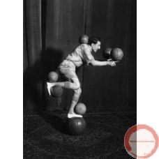 Enrico Rastelli Leather ball