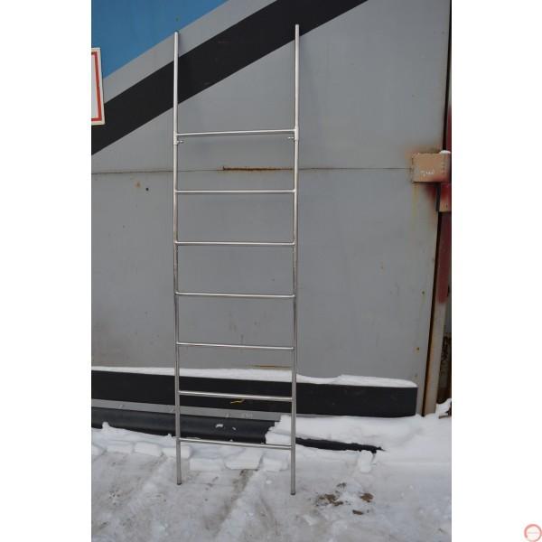 Free standing ladder demountable 2m.  - Photo 5